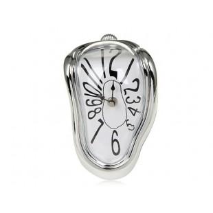 Изогнувшийся часы (белый)
