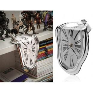 Творческие 90 градусов Twisted Clock (серебро)