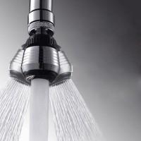Поворотная насадка на кран для экономии воды