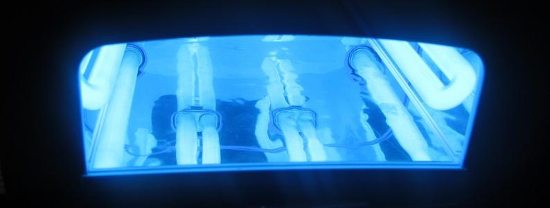 Ультра фиолетовая лампа для сушки ногтей