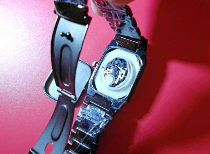 Обзор элегантных мужских часов Sinobi с черным циферблатом.